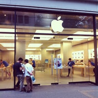 Photo taken at Apple Bahnhofstrasse by Bluetus K. on 7/18/2013