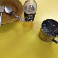 Photo taken at ร้านอาหารสถานีสุโขทัย by Niran M. on 1/24/2014