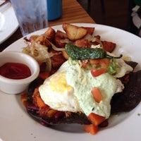 10/6/2013 tarihinde Shauna P.ziyaretçi tarafından Sabrina's Cafe @ Powelton'de çekilen fotoğraf
