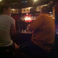 Das Foto wurde bei Posers International Pub & Restaurant von Svetlana am 10/21/2013 aufgenommen