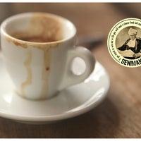 Foto scattata a Seniman Coffee Studio da Seniman Coffee Studio il 8/13/2014