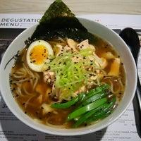 Снимок сделан в Menya Musashi пользователем Ira O. 11/30/2015