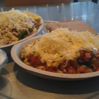 Photo taken at Chipotle Mexican Grill by Vvamc K. on 1/29/2013