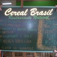 Foto tirada no(a) Cereal Brasil Restaurante Natural por Adriana L. em 1/16/2013