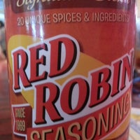 Photo taken at Red Robin Gourmet Burgers by Emerson W. on 6/9/2013