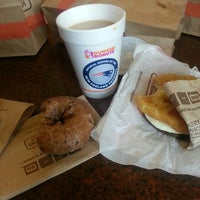 Photo taken at Dunkin Donuts by Porfy M. on 9/12/2013