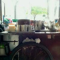 Photo taken at กาแฟโบราณป้าคิด by ป้าคิด ก. on 1/3/2013