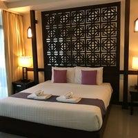 Photo taken at โรงแรมเฮือนนานา by Tum V. on 10/15/2017