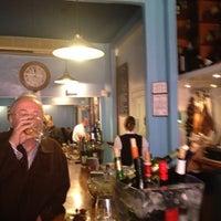 Foto tomada en Bar Eslava por Julia Aurora O. el 1/23/2013