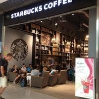 Photo taken at Starbucks by Filipe G. on 8/6/2013