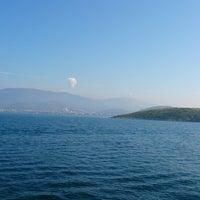 Photo taken at Erdek Açıkları by Alesta 4. on 4/13/2014