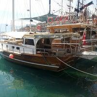 5/16/2013 tarihinde Oğuz A.ziyaretçi tarafından Yat Limanı'de çekilen fotoğraf