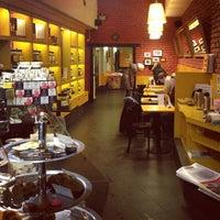 Foto diambil di Coffee Bean oleh Plein A. pada 3/20/2013