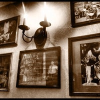 Photo taken at Italianni's Pasta, Pizza & Vino by DiegoCL on 9/14/2011
