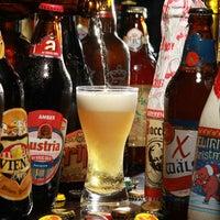 Photo taken at Café Viena Beer by Veja Comer & Beber on 9/12/2011