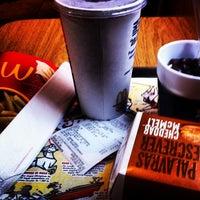 Foto tirada no(a) McDonald's por Bruno P. em 7/13/2012