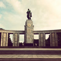 8/12/2012 tarihinde diogo p.ziyaretçi tarafından Sowjetisches Ehrenmal Tiergarten'de çekilen fotoğraf