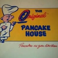 รูปภาพถ่ายที่ The Original Pancake House โดย Tara H. เมื่อ 3/25/2012