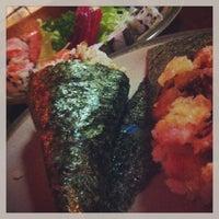 Foto tirada no(a) Maru Sushi por Caroline L. em 2/11/2013
