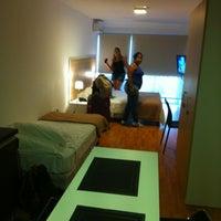 Foto diambil di Massini Suites oleh Felype W. pada 4/13/2013