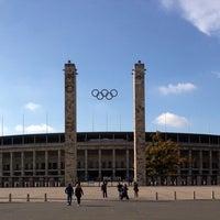 10/13/2013 tarihinde Gregor K.ziyaretçi tarafından Olympiastadion'de çekilen fotoğraf