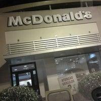 Foto tirada no(a) McDonald's por Adenilson D. em 3/3/2013