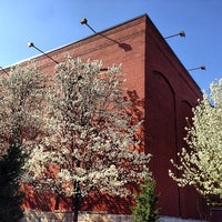 Das Foto wurde bei Oxmoor Center von Roshan J. am 4/9/2013 aufgenommen