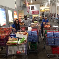 Photo taken at BJ's Wholesale Club by Zia A. on 8/30/2013