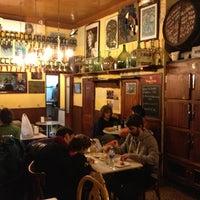 Foto tomada en Bar Bodega Quimet por Albert el 1/18/2013