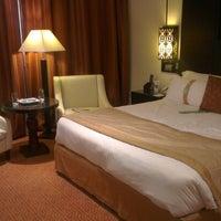 Photo taken at Holiday Inn by Abdullah B. on 2/4/2013