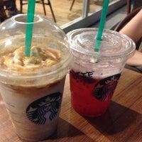 7/20/2013 tarihinde BilgE Y.ziyaretçi tarafından Starbucks'de çekilen fotoğraf