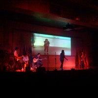 Foto tirada no(a) Auditorium BINUS University por Edy J. em 1/31/2013