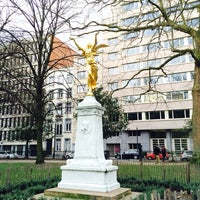 Photo prise au Square de Meeûs par Anastasia K. le2/9/2014