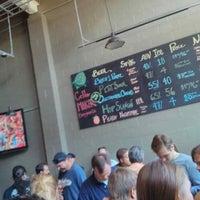 Das Foto wurde bei Cellarmaker Brewing Company von Jake W. am 10/12/2013 aufgenommen