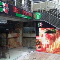 1/4/2013 tarihinde Neslihan B.ziyaretçi tarafından Bel Piatto Pizza'de çekilen fotoğraf