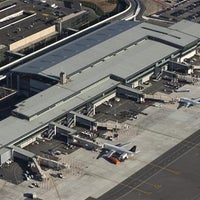Photo taken at Ottawa Macdonald-Cartier International Airport (YOW) by PCL Construction on 1/8/2013