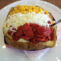 3/13/2013 tarihinde Beliz H.ziyaretçi tarafından Vabi Waffle & Kumpir House'de çekilen fotoğraf