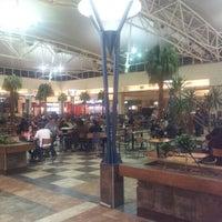 Foto tomada en Patio de Comidas Mall Florida Center por Ignacio E. el 9/30/2012