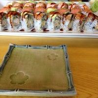 Photo taken at Murasaki Restaurant and Sushi Bar by Kashish A. on 12/7/2013