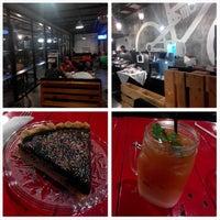 Photo taken at Kopi Beunta - coffee & pizza by aryl z. on 11/28/2014