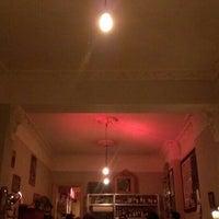 Photo prise au Meine Bar ICI par g r. le4/24/2014