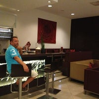 รูปภาพถ่ายที่ Hotel Donauzentrum โดย Татьяна К. เมื่อ 6/19/2013