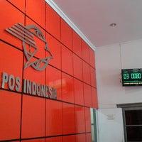 Photo taken at Kantor Pos Gorontalo 96100 by Marsono on 7/6/2013