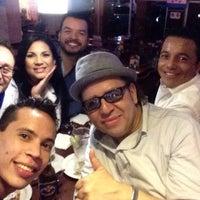 Photo taken at TGI Fridays - Mall Multiplaza by JuanSa G. on 6/21/2014