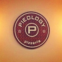Photo taken at Pieology Pizzeria by Carlos P. on 4/22/2013