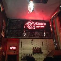 Foto tirada no(a) Underdog Meat & Beers por Gabriela R. em 7/18/2014