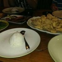 Photo taken at Godong Salam Seafood Resto by Yakobus Eko Budi Setianto on 6/2/2015
