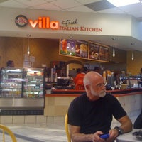 Photo taken at Villa Fresh Italian Kitchen by Jazzy L. on 9/25/2012