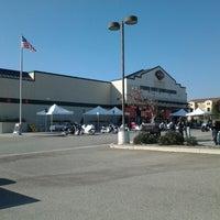 Foto tomada en Pomona Valley Harley-Davidson por Frank H. el 11/3/2012
