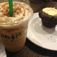 Снимок сделан в Starbucks пользователем Roman M. 6/2/2013
